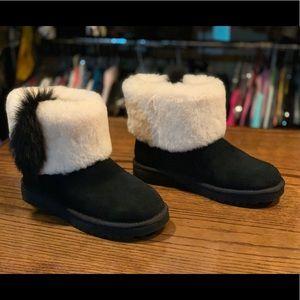 UGG Short cuff boot